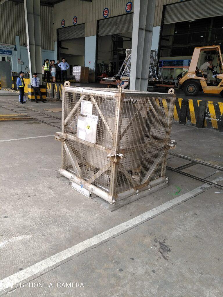 Lô nguồn Co-60 phục vụ chiếu xạ công nghiệp